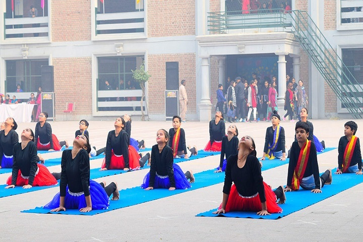 J D Tytler School-Yoga