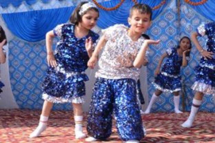 J R Public School-Dance Activity