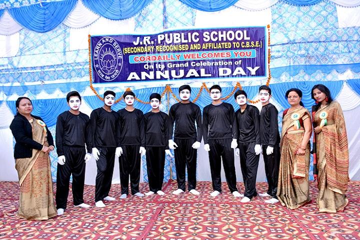 J R Public School-Students and Staff