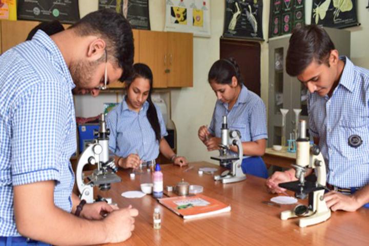 Jagannath Interational School-Biology Lab