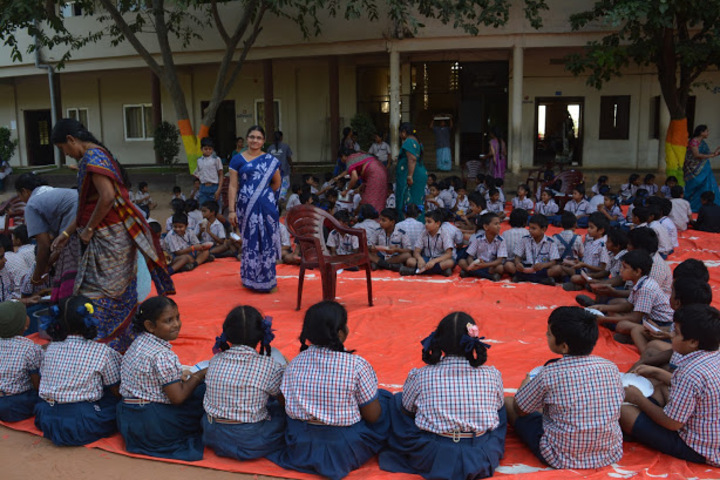 Sri Vijnana Vihara English Medium School-Childrens Day Celebrations