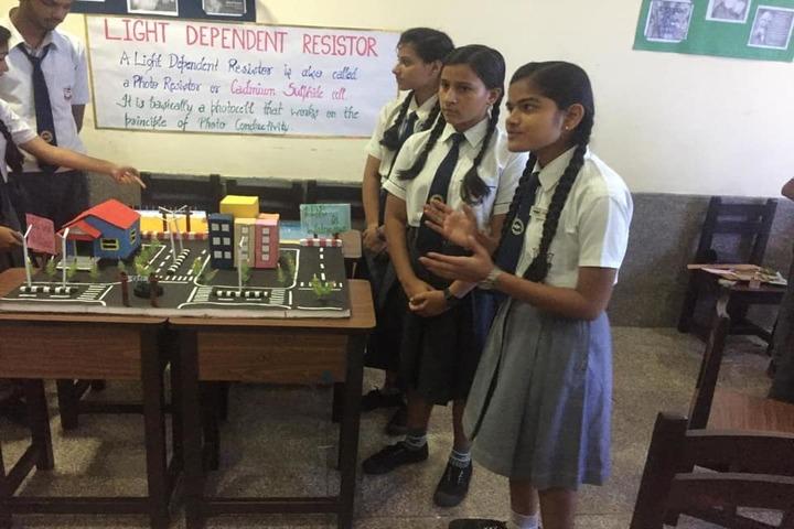 K R Mangalam World School-Science Exhibition