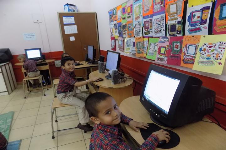 Kulachi Hansraj Model School-IT-Lab