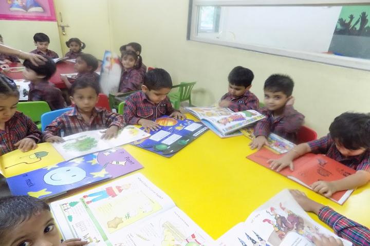 Kulachi Hansraj Model School-Library
