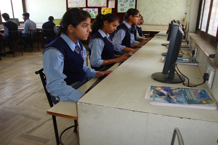 M R Vivekananda Model School-IT lab
