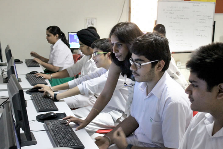 Manav Sthali School-Computer lab