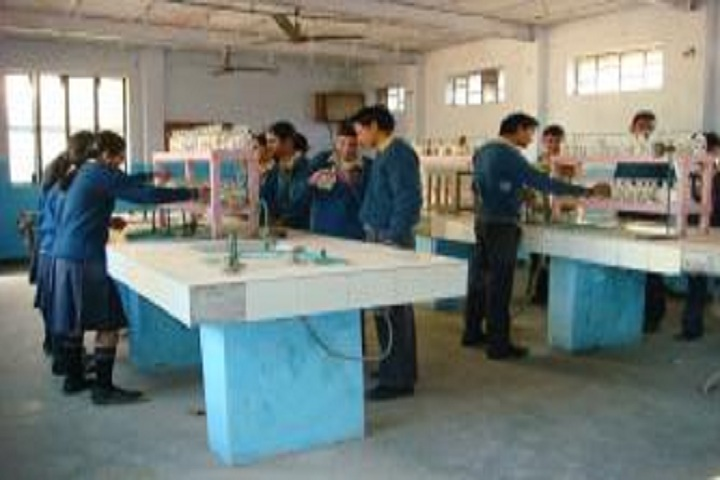 Mata Kasturi Devi Public School-Laboratory