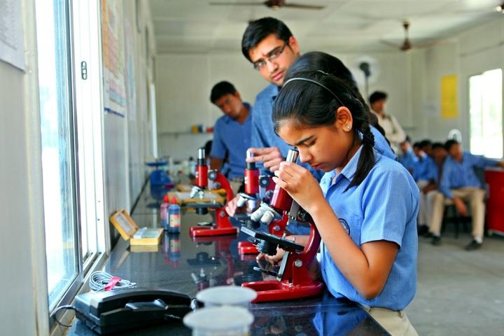 Mata Sukhdevi Public School-Laboratory