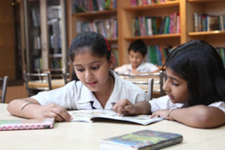 Maxfort School-Library