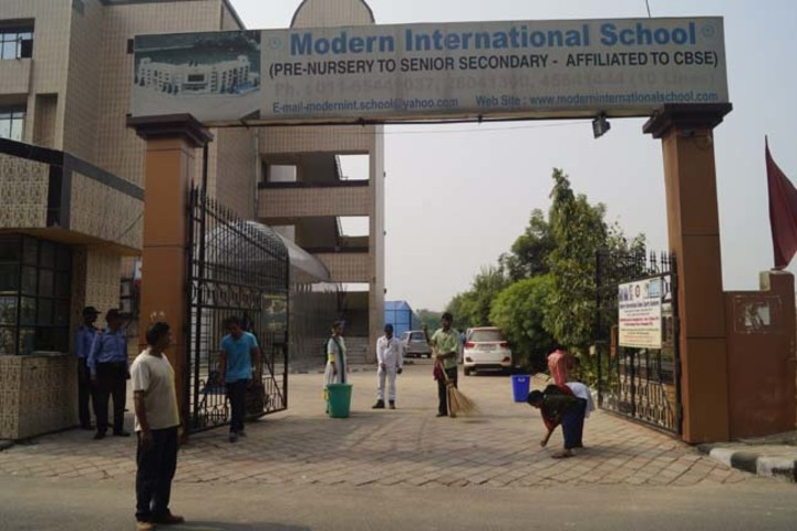 Modern International School-Swachh Abhiyan