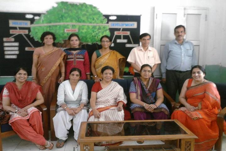 N D M C Navyug School-Staff