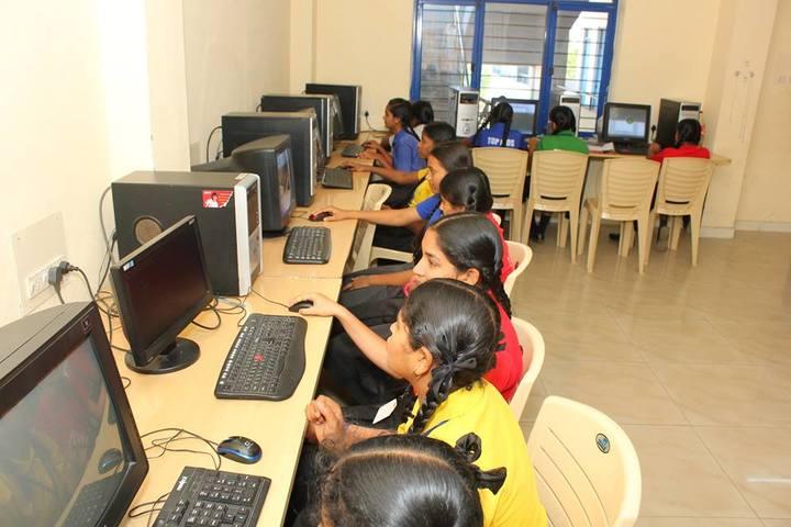 Top Kids School- Computer Lab