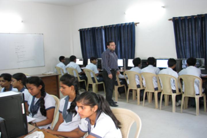 Rashtra Shakti Vidyalaya-Computer Lab