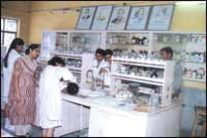 Ravindra Public School-Chemistry Lab