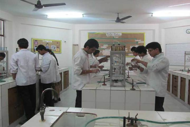 Red Roses Public School-Chemistry Lab