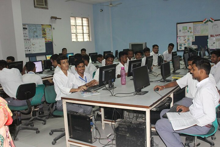 Salwan Boys Senior Secondary School- Lab
