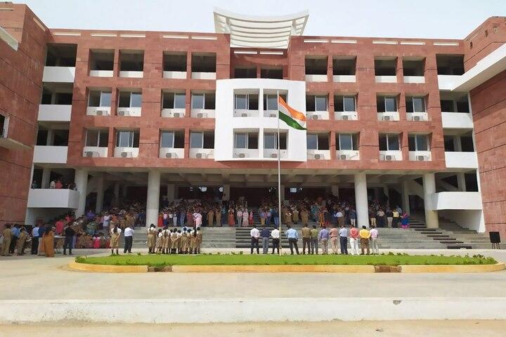 VIVA The School- School Campus