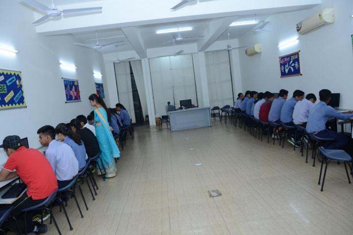 Sant nirankari public school avtar enclave-computer lab