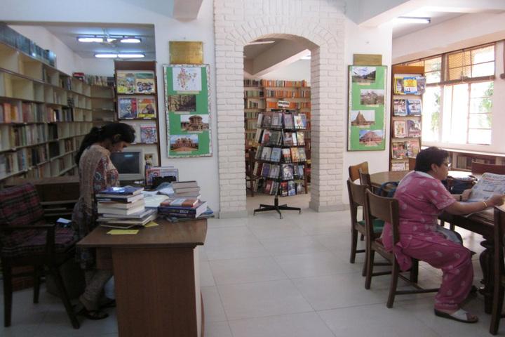 Sardar Patel Vidyalaya-Library