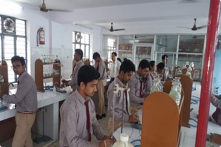 Sri Guru Nanak Public School-Chemistry Lab