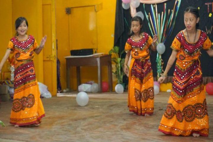 Donyi Polo Vidya Bhawan-Dances