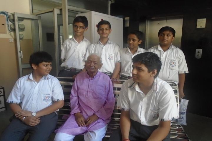 St Prayag Public School-Visit to Oldage Home