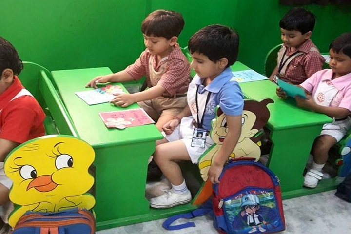Tecnia International School-kids
