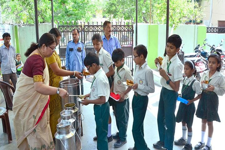 Vinay Nagar Bengali Senior Secondary School-Mid Day Meal