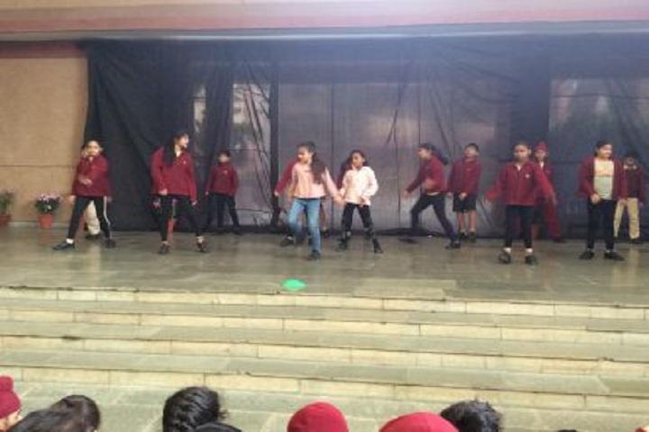 Vasant Valley School-Dance Performance