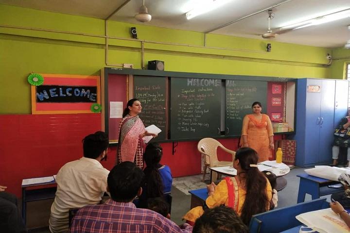 Veda Vyasa D A V Public School-Class-Room