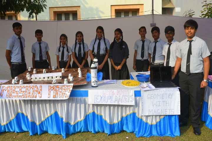 Aadharshila School-exhibition