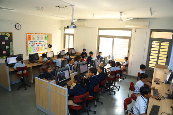 Aavishkar School-Computer-Lab