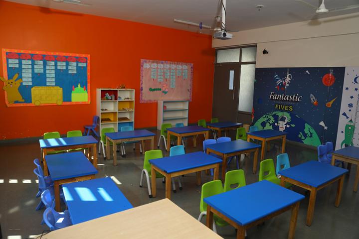 Aavishkar School-Kids classroom