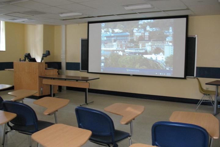 Aavishkar School-Multimedia classrooms