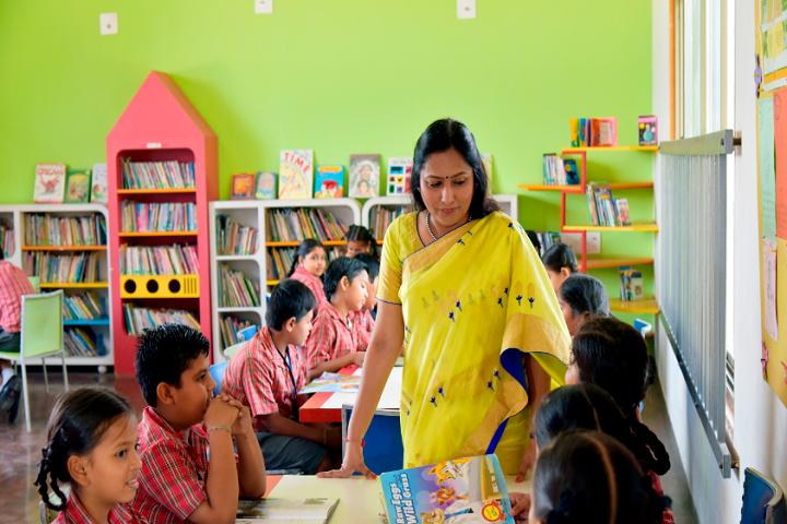 Adani Vidya Mandir-Library