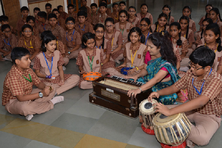 Amrita Vidyalayam-Music class