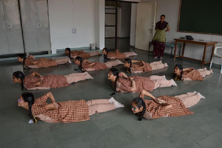 Amrita Vidyalayam-Yoga class