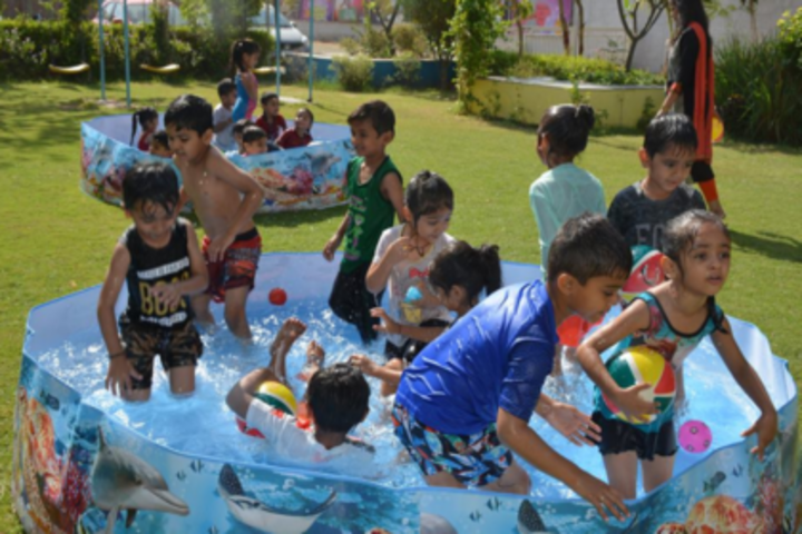 Anand Niketan School-Water Splash Activity