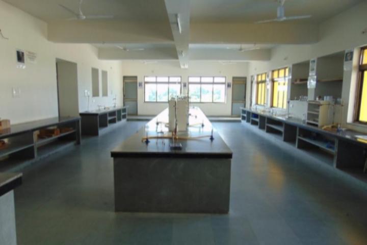Anand Niketan School-Chemistry-Lab