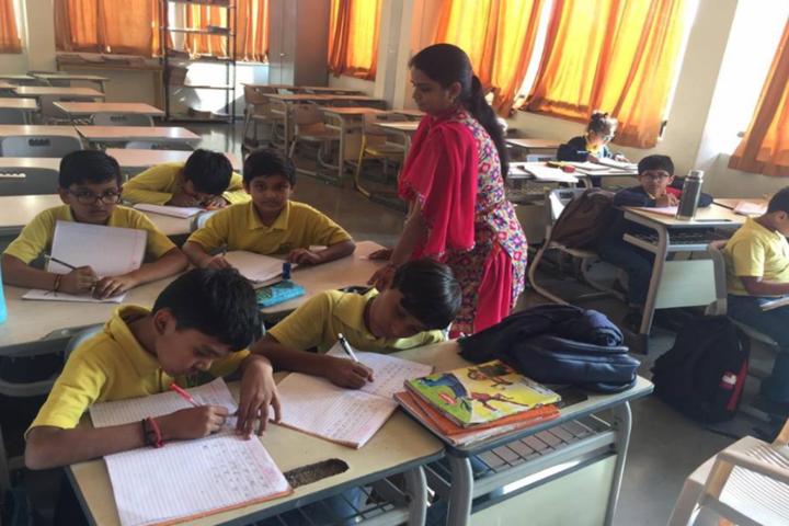 Anand Niketan School-Classroom