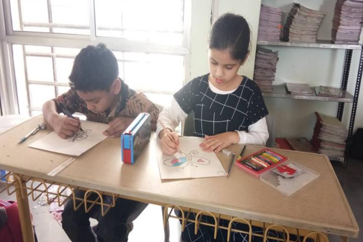 Anand Niketan School-Painting class