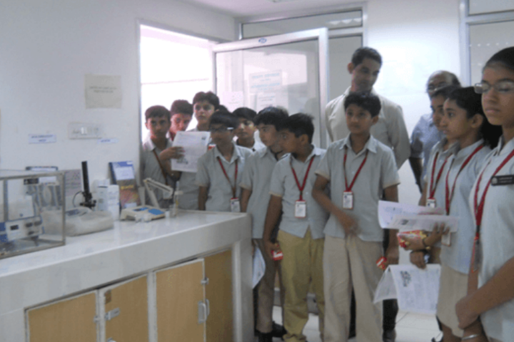 D R Amin Memorial School-Biology Lab