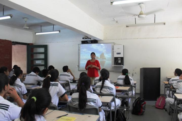 Delhi Public School-Digital classroom
