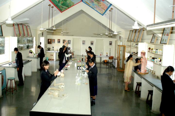 Divine Child School-Biology Lab