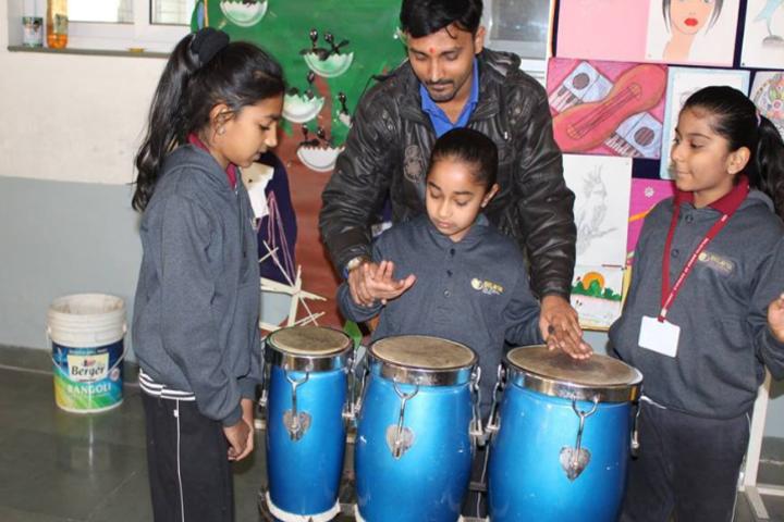 Eklavya Global School-Music Classes