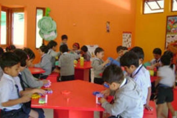 Essar International School-Kids Classroom