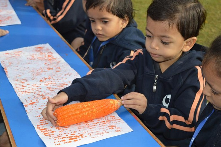 GAJERA INTGajera International School-ArtERNATIONAL SCHOOL-Activity on 26th January
