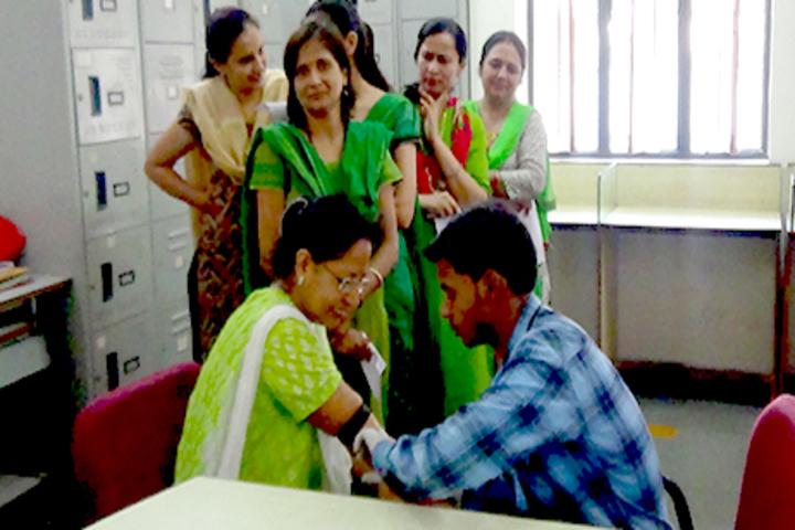 J H Ambani Saraswati Vidya Mandir-Meical Checkup
