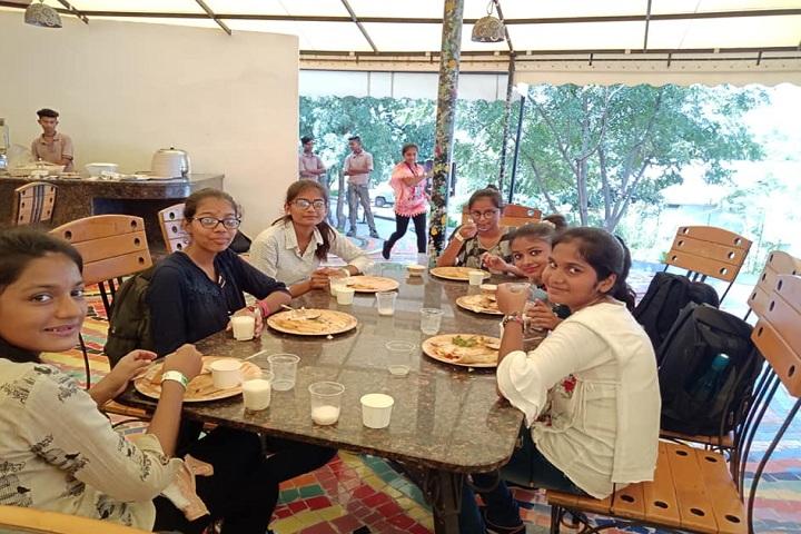 JBDiamonds and KARP Impex Vidya Sankul-Breakfast