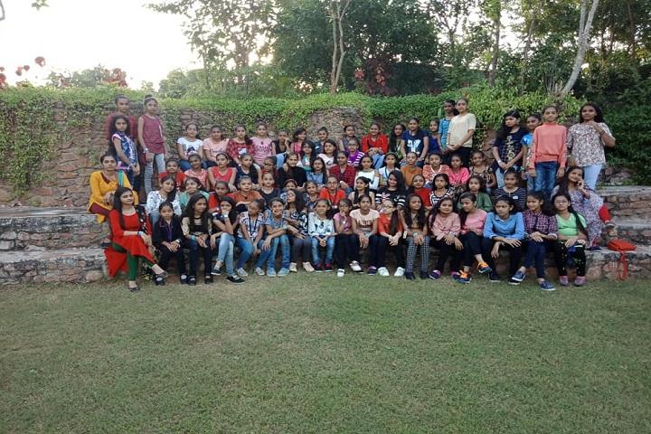 JBDiamonds and KARP Impex Vidya Sankul-Tour for girls